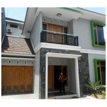 Rumah Elite 2 Lantai Di Kawasan Kota Yogyakarta
